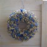 ⑦カスミソウと青系小花のリース 直径約26㎝ 4800円